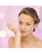 Gesicht - das Bild kosmetischer Kunst der Schönheit und Symmetrie